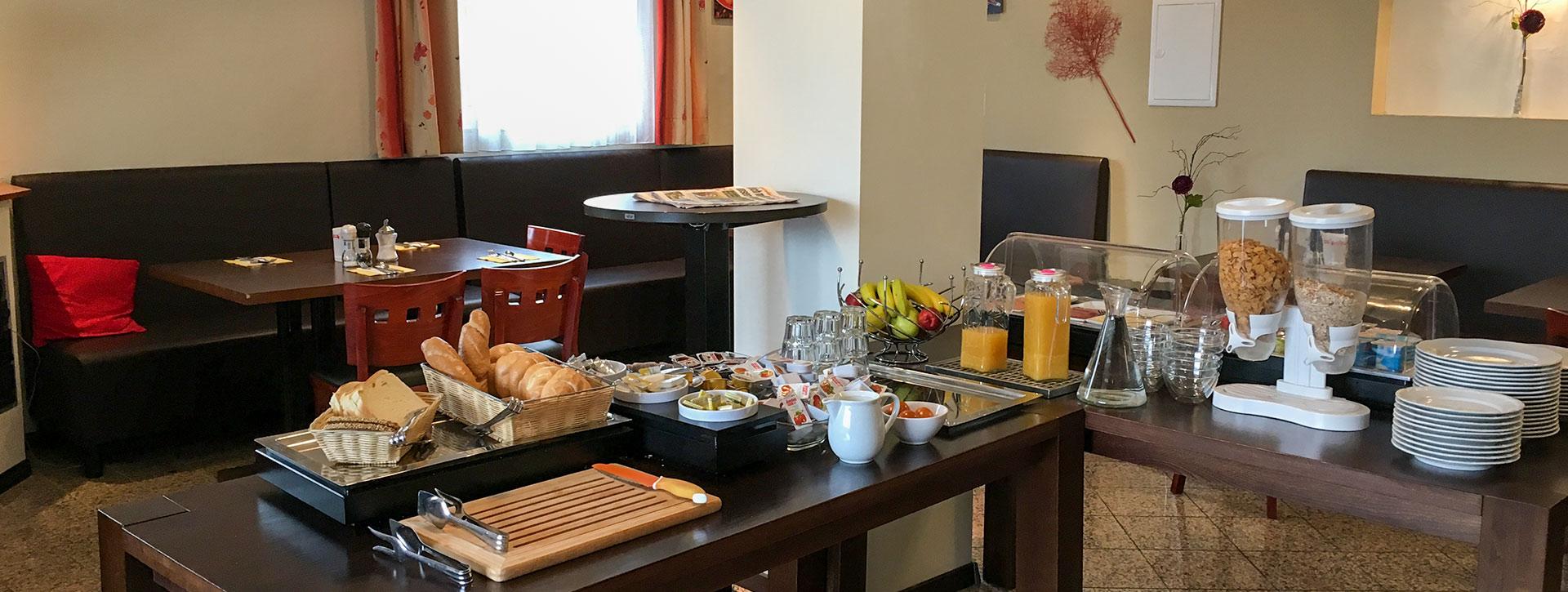 HOTEL • BED & BREAKFAST DENK - Frühstück